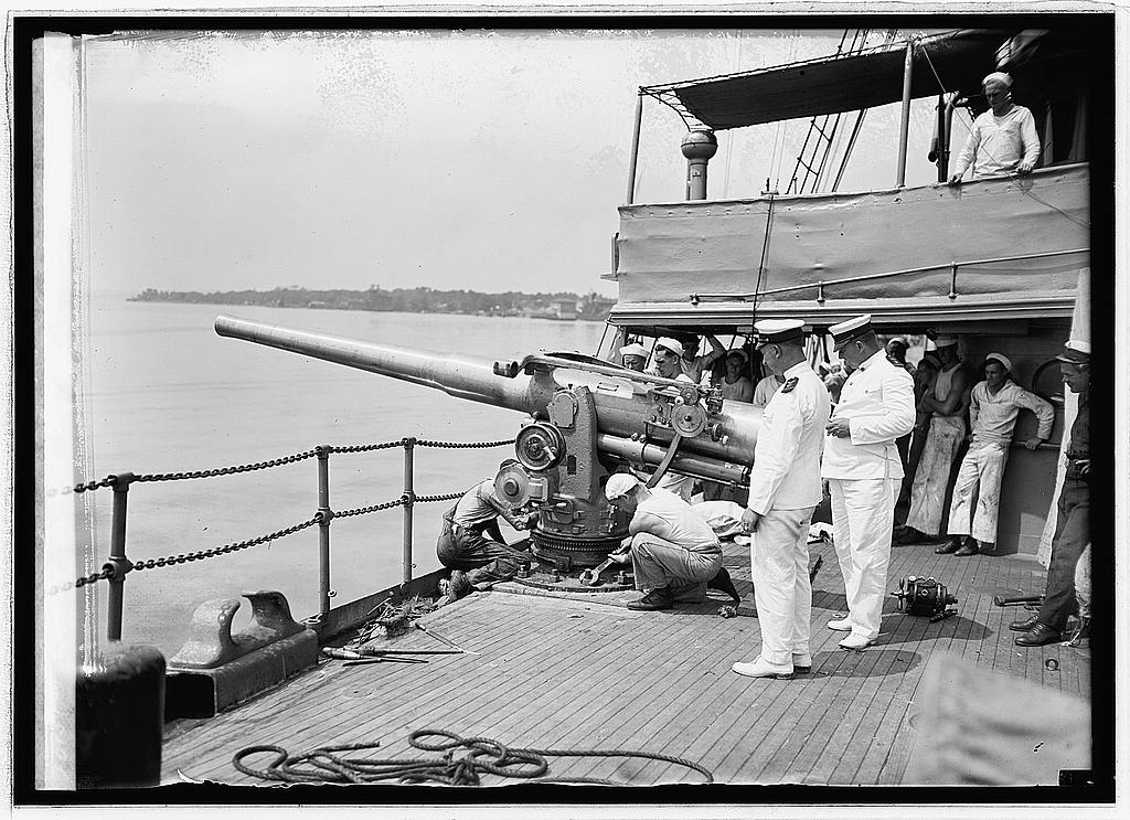 inch guns aboard the USCG Seneca - LOC