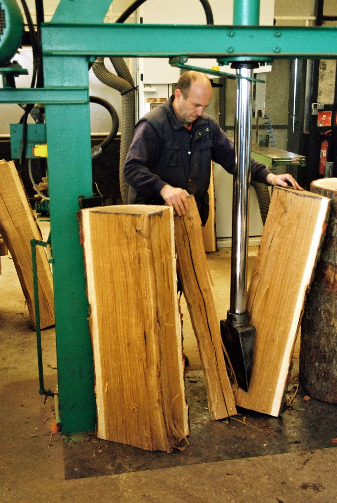 Oak sections being split into early stave (merraine) lengths - Authors own image
