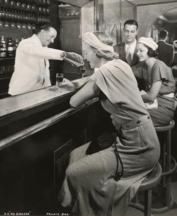 Private bar aboard a cruise liner just after prohibition - c/o Museum of the City of New York
